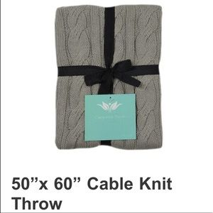 New 100% Cotton Cable Knit Throw